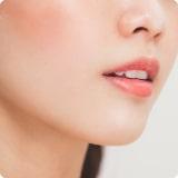 ศัลยกรรมปากกระจับ ในปัจจุบันการทำปากกระจับ ปากบาง ยกมุมปาก กำลังเป็นที่นิยมมาก ปากที่เรียวสวยและดูเซ็กซี่เป็นการสร้างเสน่ห์ให้น่ามองและสะกดสายตาของผู้พบเห็นได้มากขึ้น